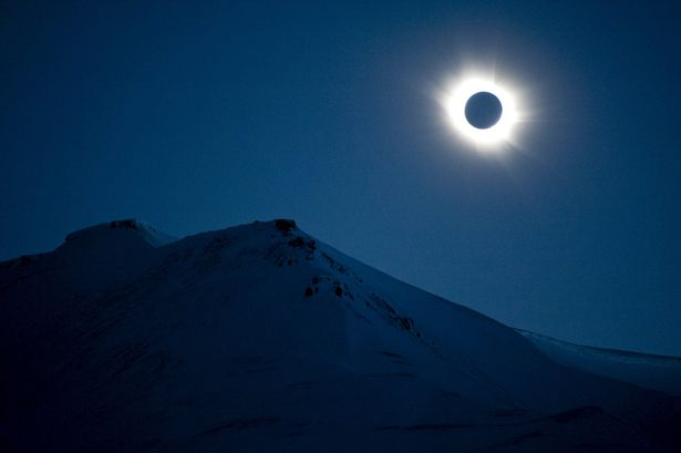Eclipse-in-Svalbard